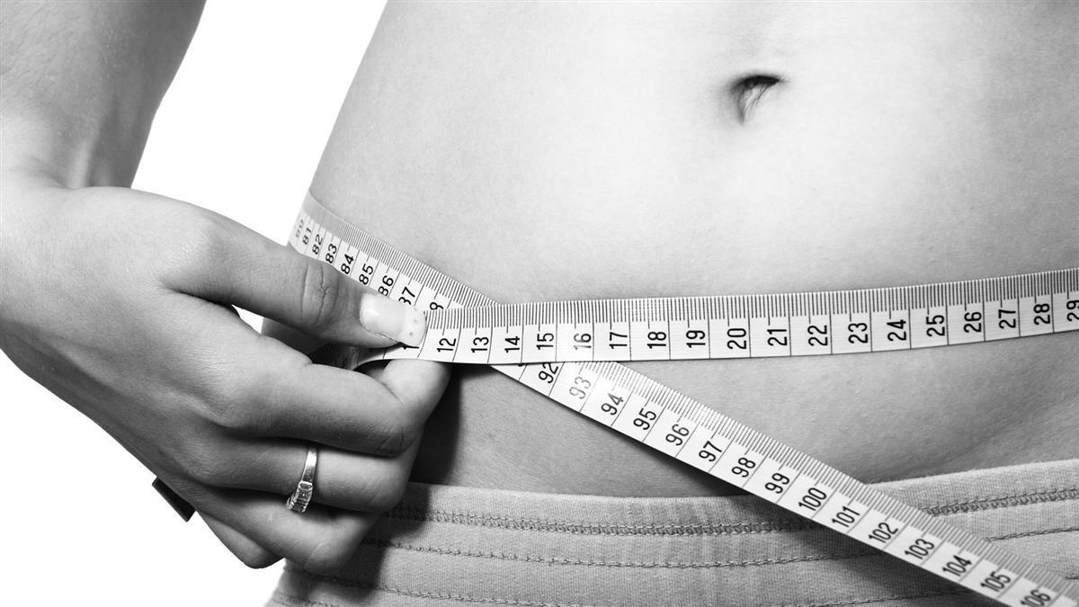 爽吃也能瘦!2天輕斷食鏟肉9kg 醫親授菜單