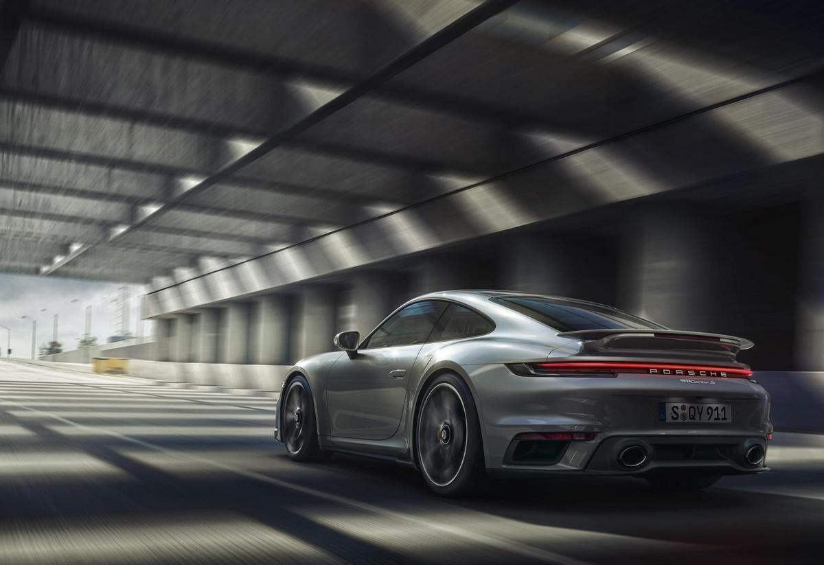 宛如飛翔!911 Turbo S的空力奧祕