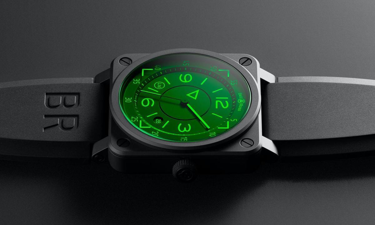 有如在地面飛行!BELL & ROSS發表「抬頭顯示器」夜光腕錶