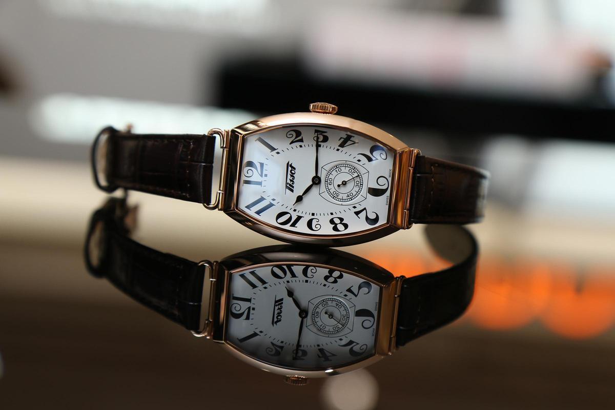 最好看的入門酒桶錶!天梭Heritage Porto手上鏈腕錶