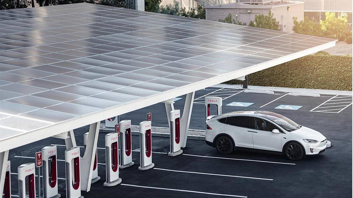 特斯拉車主福音!Tesla 全台首座 V3 臺灣大學超級充電站預計於6月29日開放