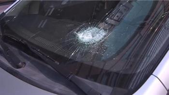 獨/前擋玻璃 外力破壞無保固?專家:乙式險以上有賠