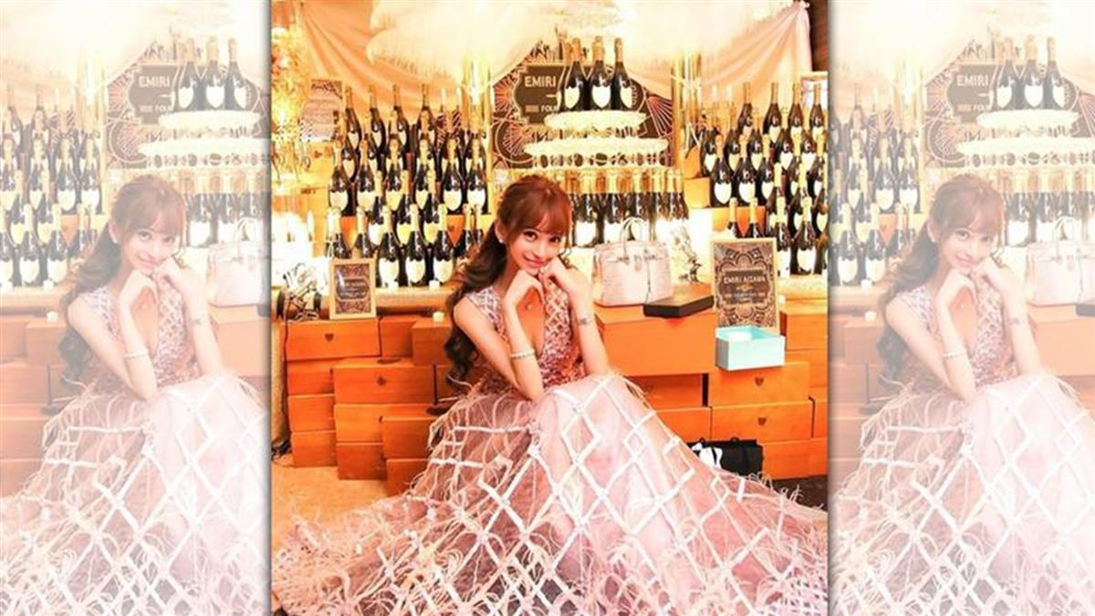 齊名日本第一男公關羅蘭 女帝年收2億奢華照曝光