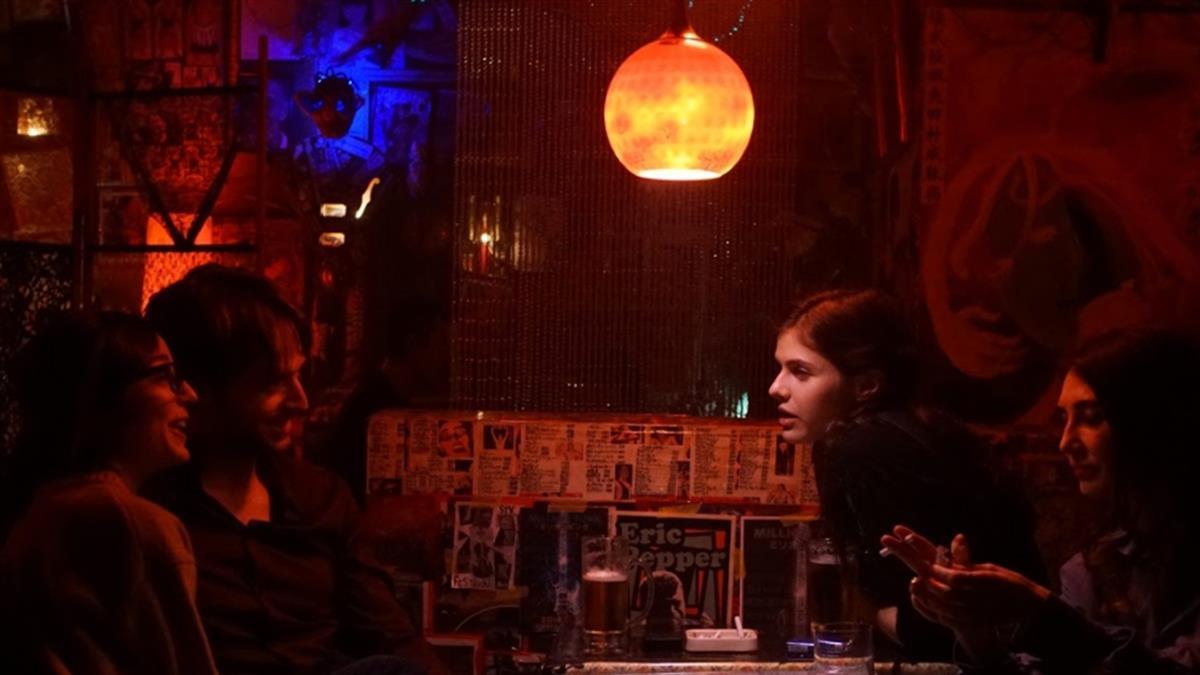 受封日版《格雷》!「地震乳神」大尺度演出 情趣酒店戰日本黑幫