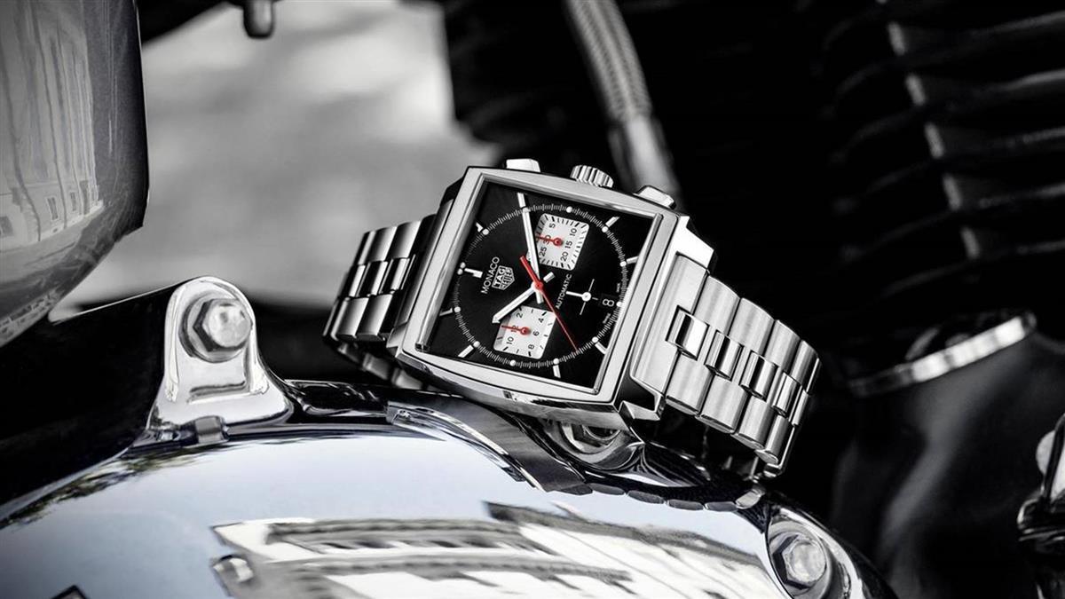 經典方錶重新演繹!豪雅Monaco H02腕錶新增鏈帶版本