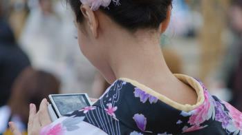 櫻花妹當「出租女友」上位 變正宮跟乾爹結婚