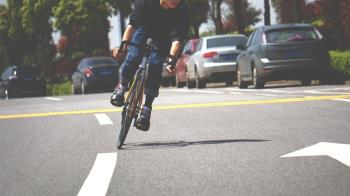 30歲男每天騎單車上百公里! 下體完全無感超崩潰
