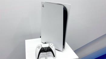 PlayStation 5(PS5) 在台灣搶先看!主機很大、讀取速度快、DualSense 無線控制器觸覺回饋讚