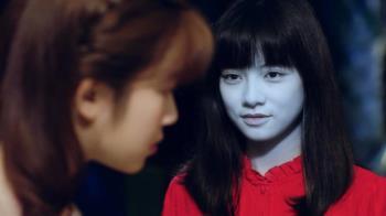 姚愛寗演紅衣厲鬼太傳神 照鏡子差點被自己嚇死