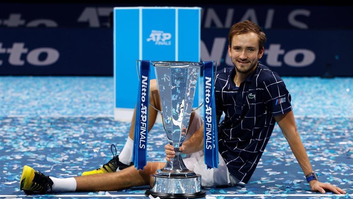 連剋網壇世界前3名高手 梅德韋傑夫奪年終賽冠軍