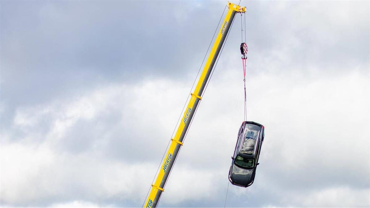 為優化安全性! Volvo新車挑戰從十層樓高空墜落