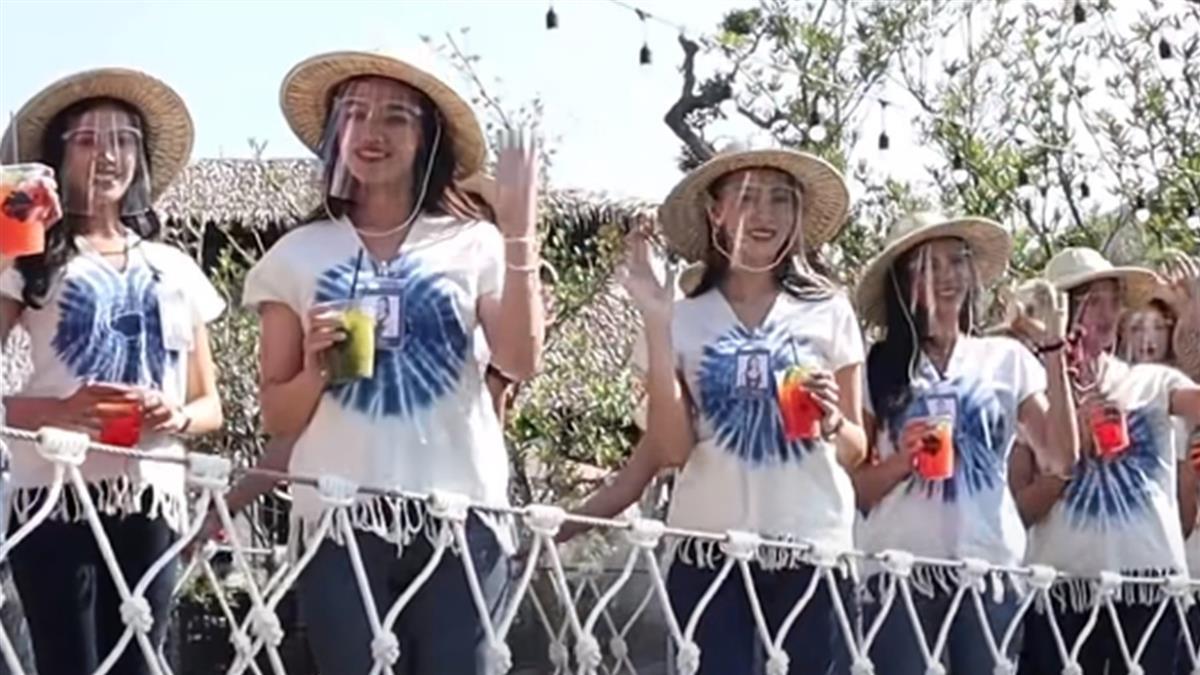 30泰國小姐全濕了!吊橋甜笑擺拍 下秒全成落湯雞