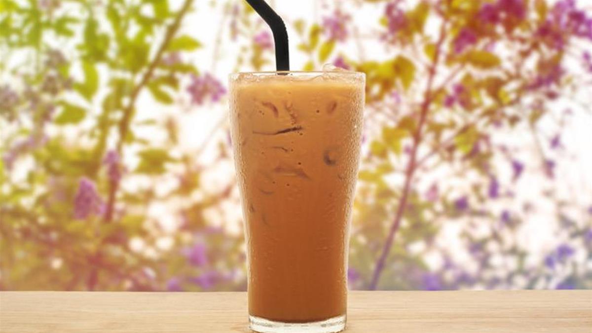 把「滷汁當紅茶」賣給客人!店員急尋人 網笑:來杯滷汁微微