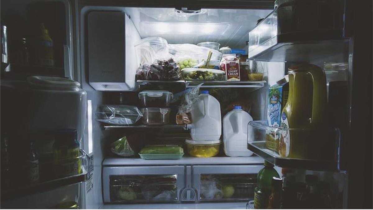 租屋族版「如果我有新冰箱」超滄桑 網:笑著笑著就哭了
