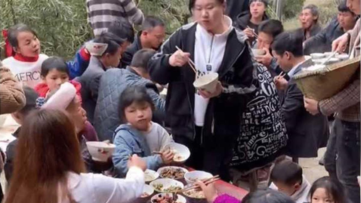 葬禮請全村吃飯14天 「6天吃4頭豬」喪家被吃垮崩潰