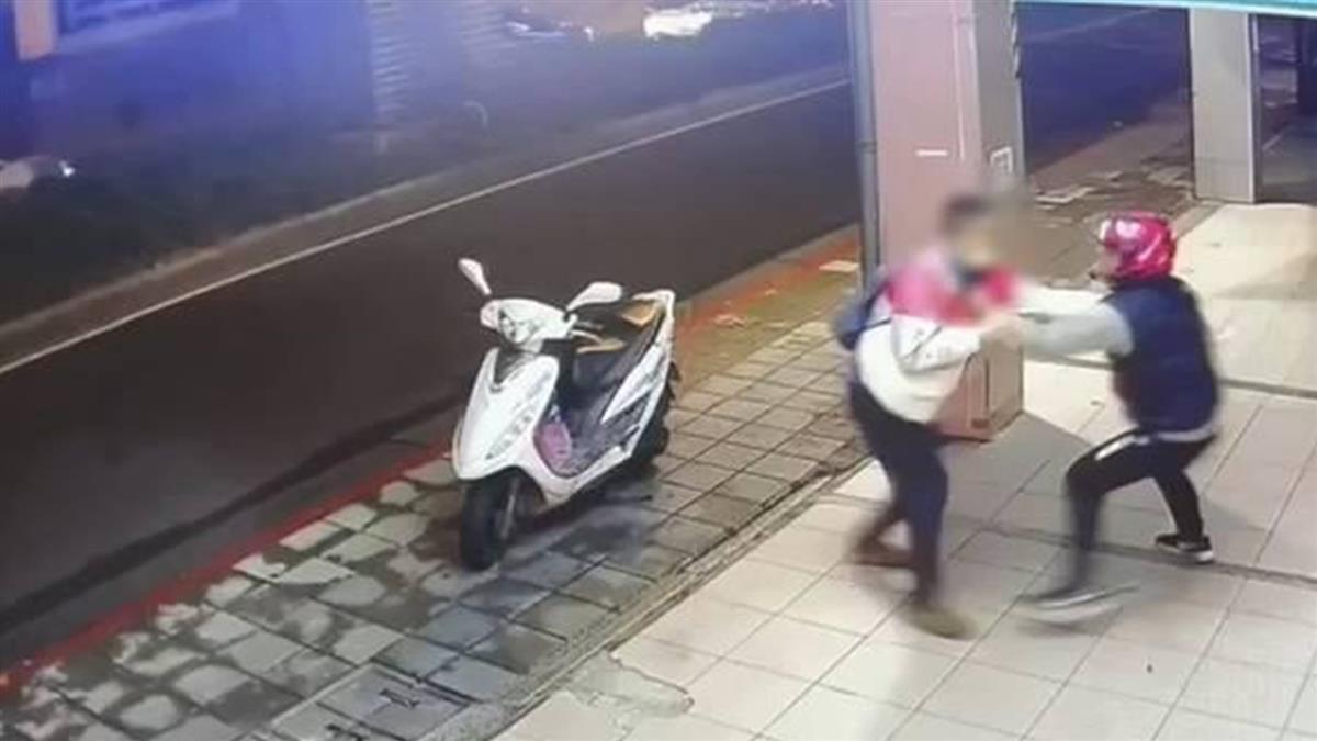 2外送員當街扭打 同事怒控:他是正義魔人