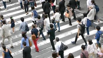 「台北開車不讓行人」影片發酵! 外國旅客恐怖經驗連環爆:根本玩命關頭